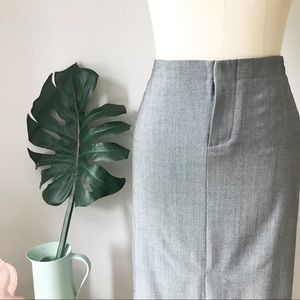 Banana Republic • Grey Front Slit Pencil Skirt